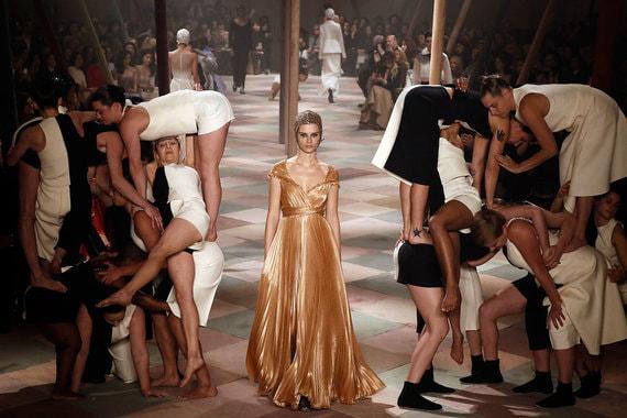normal 1fs6 Парижская мода ответила на расовые и половые вопросы