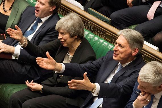 ЕС сохранит безвиз для британцев даже в случае жесткого Brexit