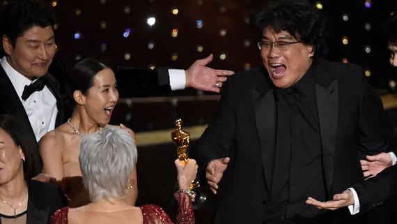 «Оскара» за лучший фильм впервые выиграла картина не на английском языке