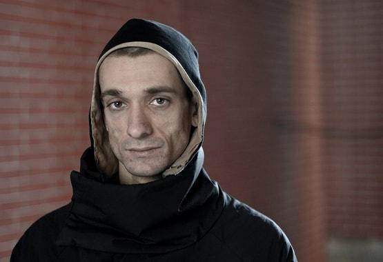 Павленского отпустили из-под стражи после предъявления обвинения по делу Гриво