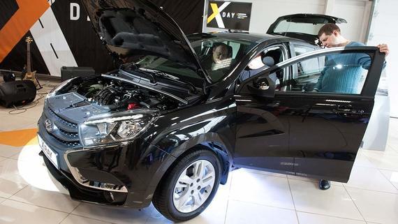 «АвтоВАЗ» предупредил о возможном изменении цен из-за обвала рубля