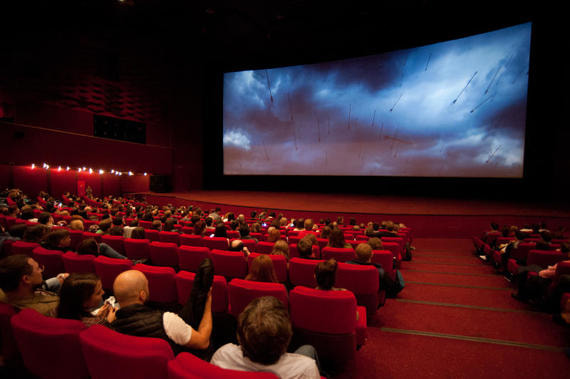 Кинотеатры по всей России закрываются из-за коронавируса