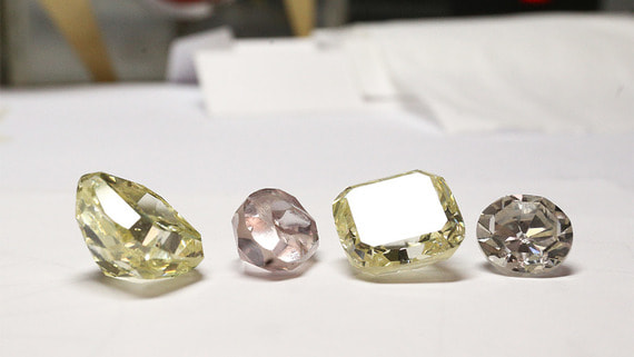 Производители алмазов теряют покупателей из-за коронавируса