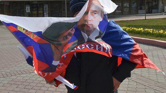Почти половина россиян готова оставить Путина у власти навсегда