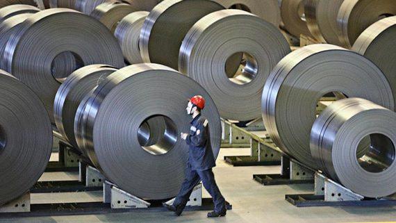 Потребление стали в России может упасть на четверть