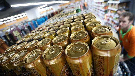 Минпромторг рекомендовал регионам не ограничивать продажи спиртного