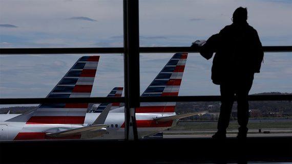 США ищут способы помочь авиакомпаниям