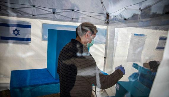 Из-за коронавируса в мире массово переносятся выборы и референдумы