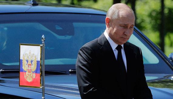 Путин призвал госкомпании отказаться от покупки иностранных лимузинов