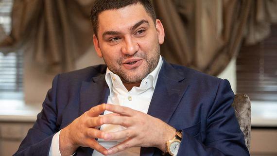 Зачем USM Алишера Усманова покупает «ИКС холдинг»