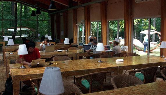 Как необходимость соблюдать социальную дистанцию изменит гибкие офисы