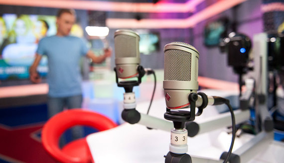 Радиостанции быстрее остальных медиа теряют рекламу
