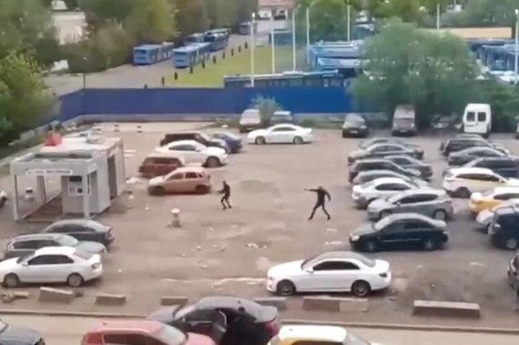 Во дворе жилого комплекса на юге Москвы произошла перестрелка
