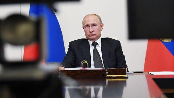 Президент России выполнил парадные обязательства