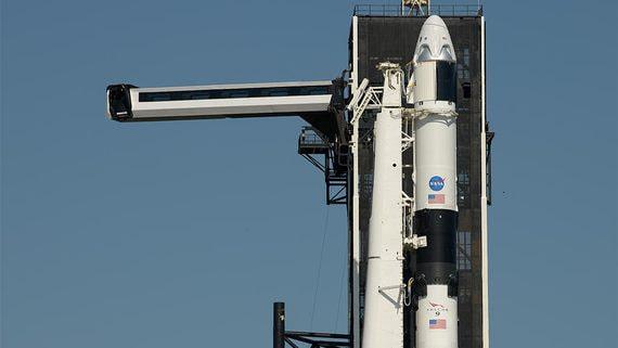 Запуск космического корабля Crew Dragon отложили из-за погоды