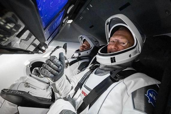 Корабль Crew Dragon пристыковался к Международной космической станции