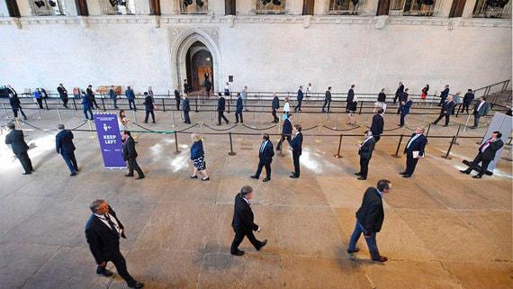 Британский парламент отказался от виртуального голосования