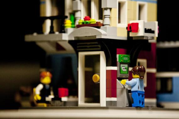 Lego отказалась от рекламы конструкторов с полицией из-за волнений в США