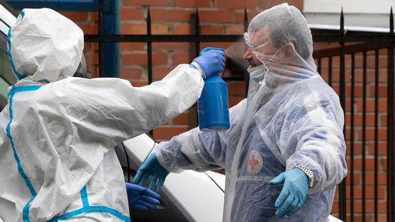 Число больных COVID-19 в России достигло почти 450 000 человек