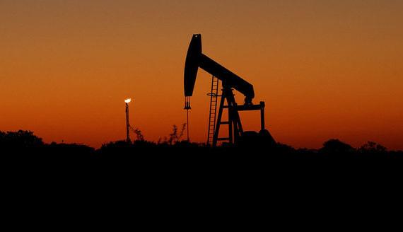 ОПЕК+ продлила жесткие ограничения на добычу нефти