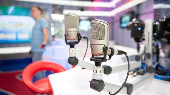 Региональные радиостанции экономят на названии