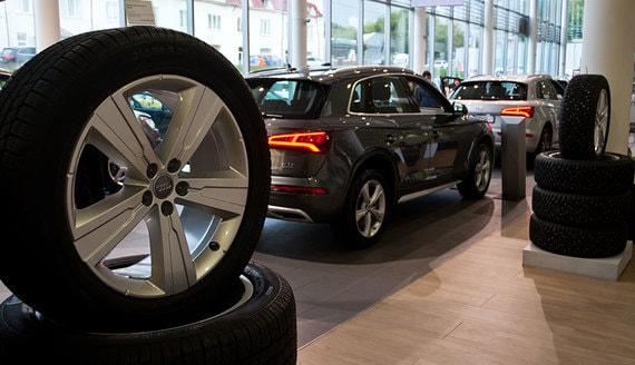 Продажи новых машин в России рухнут сильнее ожидаемого