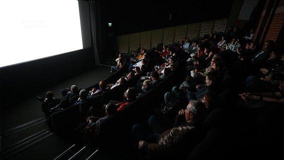 Кинотеатрам грозит дефицит премьер при открытии в августе