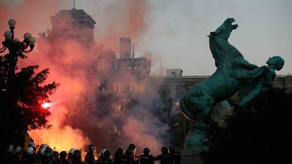 Президент Сербии отверг причастность России кпротестам вБелграде