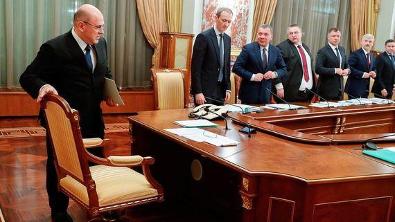 Эксперты назвали сценарии вывода России из кризиса