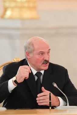 Лукашенко заподозрил оппозицию в подготовке свержения власти в Белоруссии