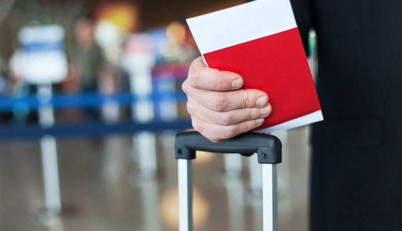 Госдума приняла закон о введении единых электронных виз для иностранцев