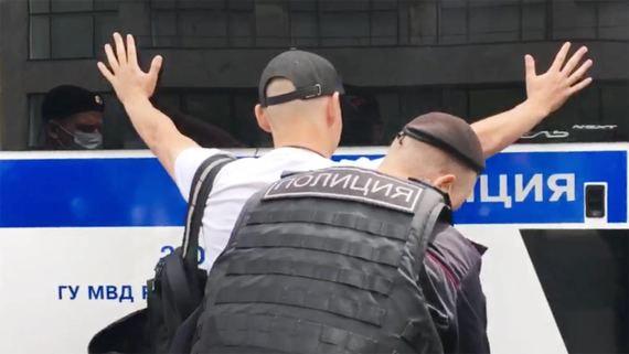Задержания у памятника Юрию Долгорукому в Москве. Фотографии