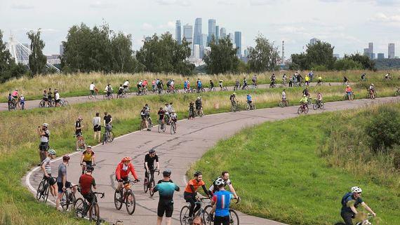 Акция в защиту велотрассы в Крылатском. Фотографии