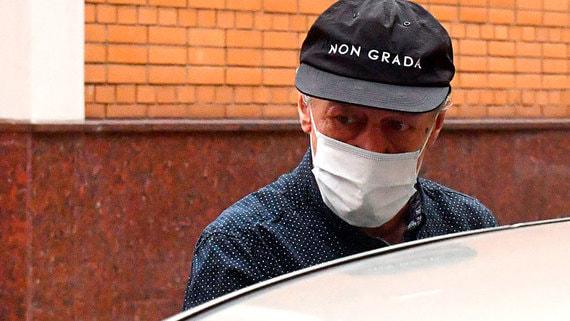 Адвокат сообщил об отказе Ефремова признать вину в ДТП