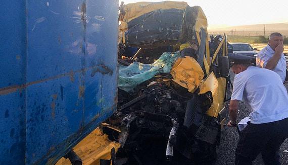 В ДТП с микроавтобусом в Крыму погибли девять человек