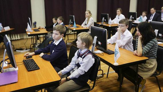 Назван срок подключения всех российских школ к интернету