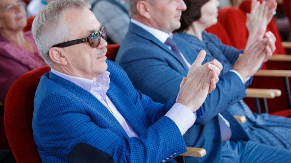 Евгений Савченко может стать сенатором до официальной отставки с поста губернатора