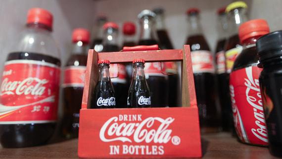 Coca-Cola прекратит выпуск половины наименований напитков