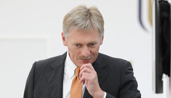 Песков прояснил роль Путина в отправке Навального в Германию