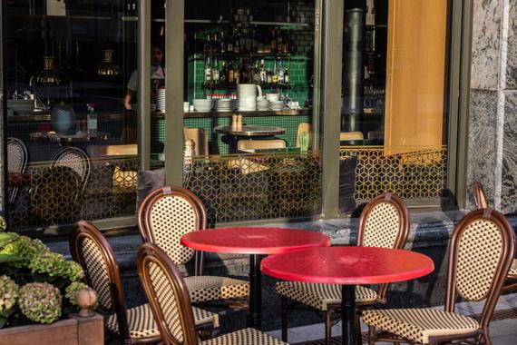 Рестораторы сообщили о сокращении меню и времени работы из-за коронавируса