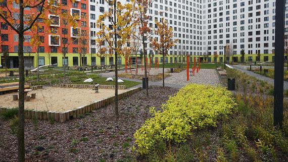 Красивый ландшафт и дорогое оборудование не гарантируют, что двор будут любить жители дома