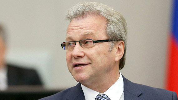 Гарри Минх обвинил депутатов-коммунистов в попытках нарушить Конституцию