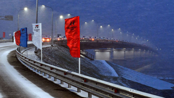 Максимальная плата за проезд по новому мосту на Ямале превышает 370000 рублей