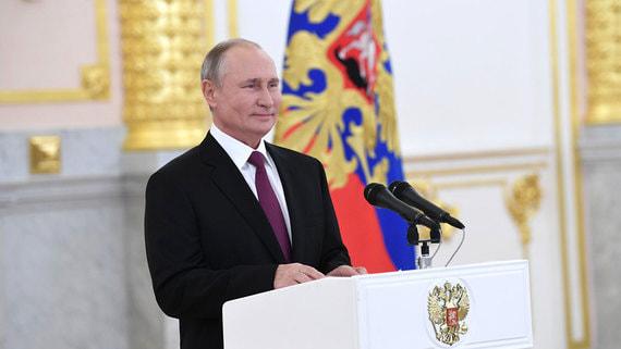 Владимир Путин впервые с начала пандемии принял грамоты у послов