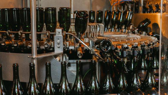 Один из крупнейших производителей игристого вина возобновил производство