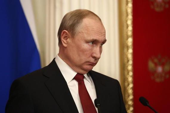 Путин назвал моральными уродами противников поддержки семей с детьми