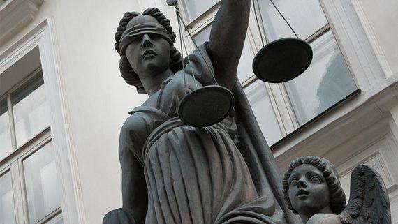 В чем плюсы и минусы назначения судей