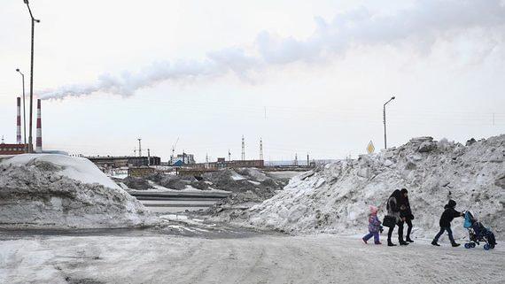 Численность населения России снова сократилась