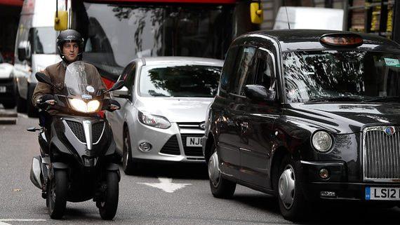 Британия хочет запретить продажу автомобилей с выхлопными газами к 2035 году