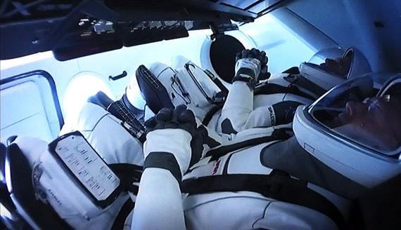 Почему Безос, Маск и Брэнсон не могут отправить туристов в космос